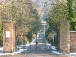 bergfriedhof_haupteingang